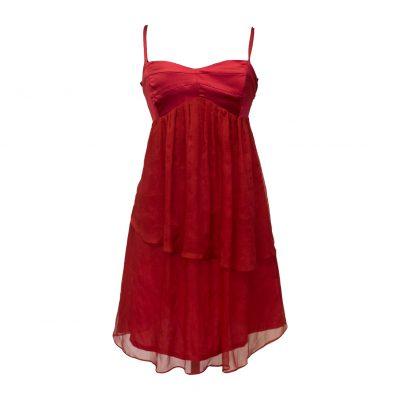 punainen mekko