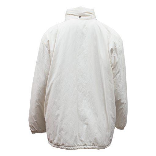 valkoinen toppatakki