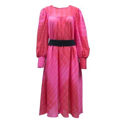 pinkki mekko