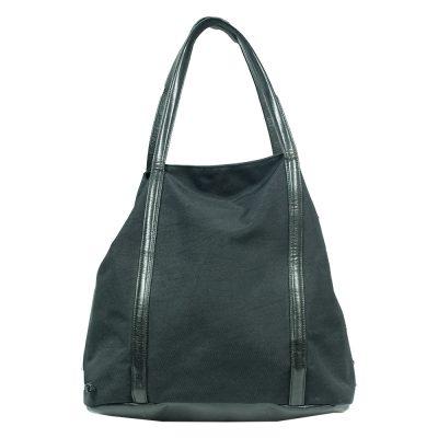 musta laukku