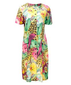 värikäs mekko