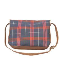 Ruudullinen laukku