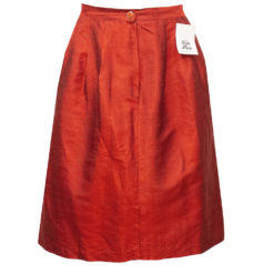 punainen silkkihame